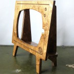 Wooden-Retro-TV-iPad-Dock_2