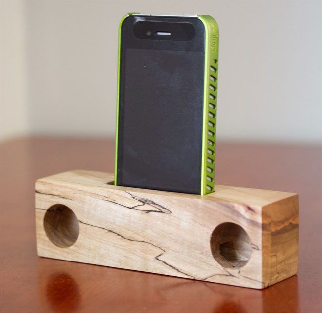Wooden Iphone And Ipad Speakers Are Eco Friendly