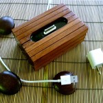 Handcrafted-Wooden-iPhone-And-iPad-Docks_2