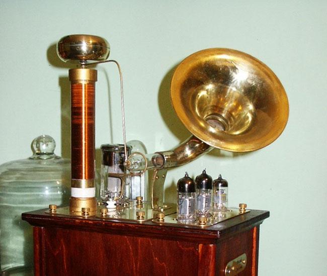 Steampunk Plasma Speaker