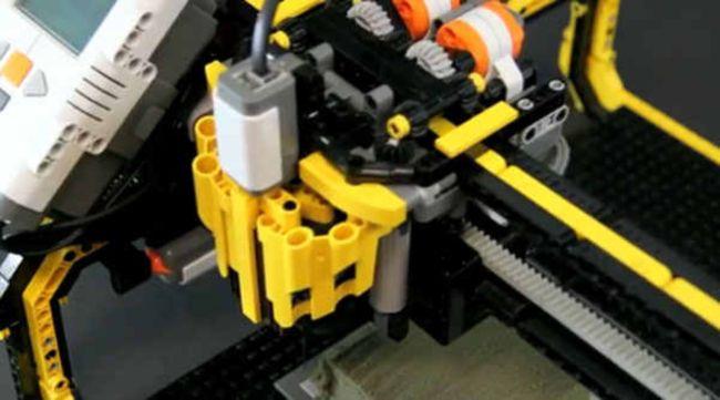 Lego Milling Machine