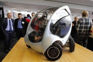 MIT's Folding CityCar Electric Vehicle (Video)