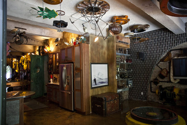 Steampunk loft apartment on sale in manhattan for for Loft in manhattan for sale