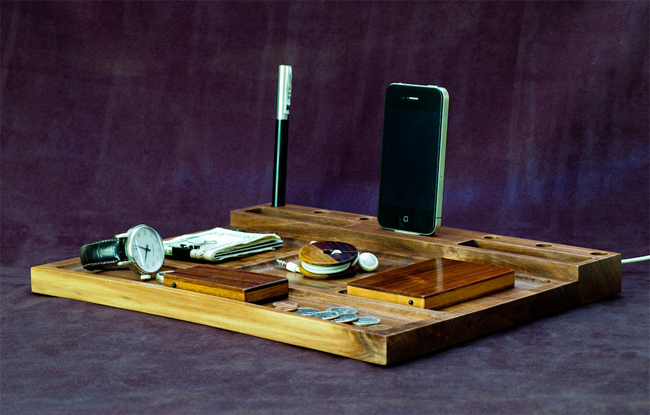 Walnut Valet iPhone Dock