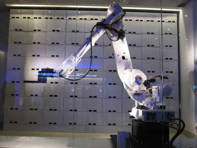 robotic luggage handlers