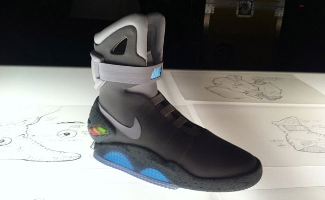 the latest 9159d 96b30 Nike Air Mag Marty McFly Back To The Future Shoes Get ...