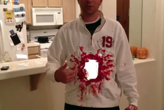 Geeky iPad 2 Halloween Costume (Video)