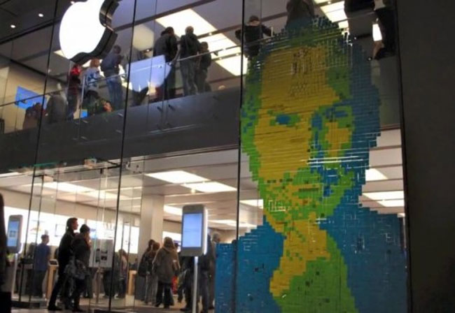 Steve jobs mural created at apple store using 4 001 post for Apple boutique mural