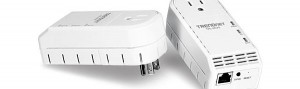 Trendnet TPL-307E Powerline Networking Adapter Doesn't Block a Plug