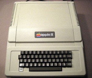 Working 1977 Apple II Computer Sold For $6,100 On eBay