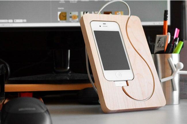 Wooden BaseStation iPhone 4