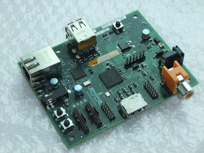 Raspberry PI $25 Computer Coming In December