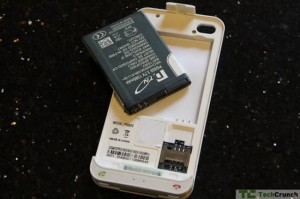 iPhone 4 Vooma Peel PG92 Case Provides Dual Sims Support