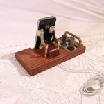 Retro-Steampunk-Radio-iPhone-Dock_2