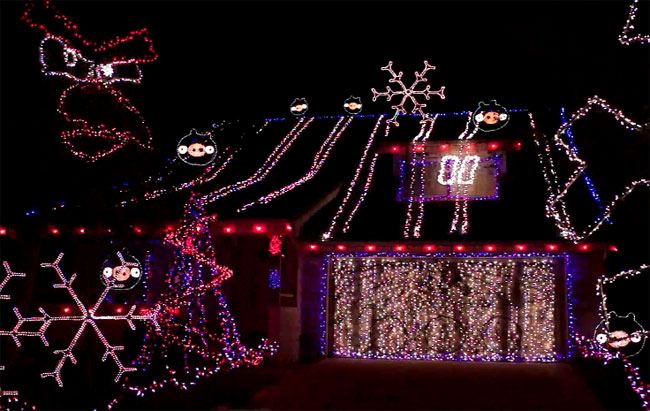 Angry Birds Played By Christmas Lights