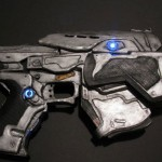 Gears-of-War-Paper-Pistol-1