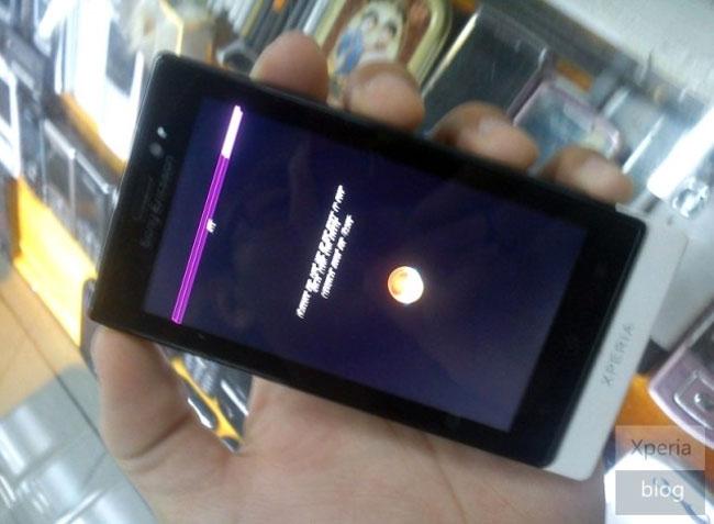 Sony Ericsson MT72i