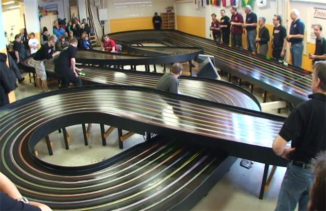 Super Speed Slot Car Racing