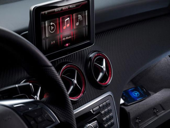 Mercedes iPhone