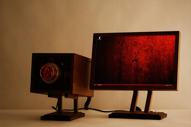 4M PC By Love Hulten
