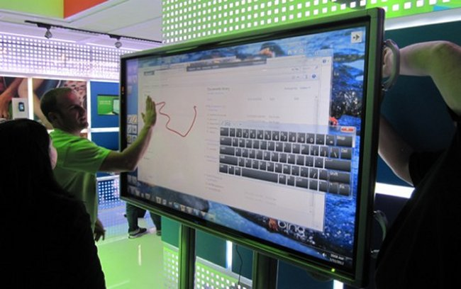 Microsoft To Sell 80 Inch Windows 8 Touchscreen Pcs