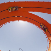 Hot Wheels Vertical Loop Track Sets New Guinness World Record (video)