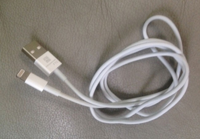 iPhone 5 cable