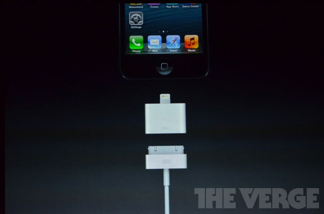 iPhone 5 Lightning Adapter