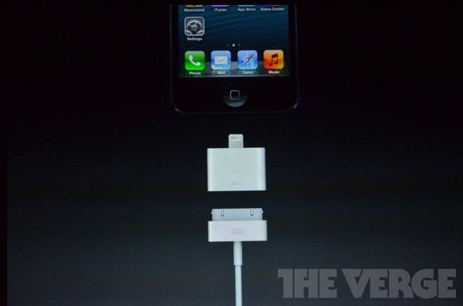 iPhone 5 Lightning Adapter