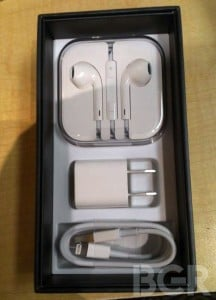 iPhone 5 Unboxing Photos Appear Online