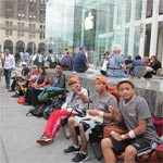People Start Queuing For iPhone 5 Ahead Of Fridays Launch