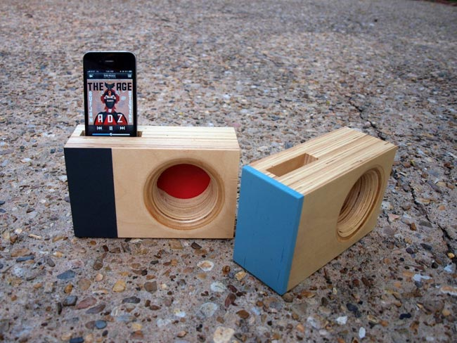 Dock Box The Wooden Accoustic Iphone Amplifier