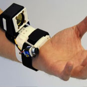 Microsoft Digits Gesture Control System Tracks Hand From Wrist (video)