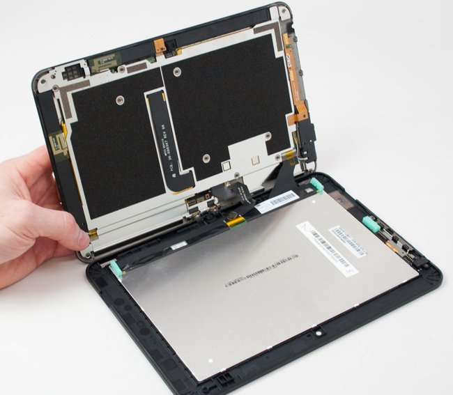 Amazon Kindle Fire HD Tablet Gets Taken Apart