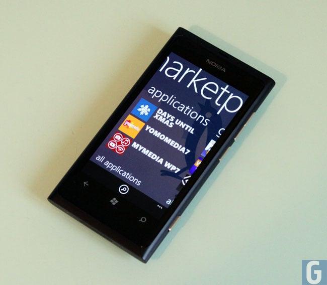 lumia-800111