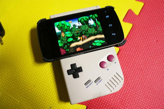 Gameboy Smartphone Contoller