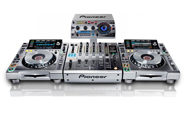 Pioneer Platinum Edition CDJ-2000nexus