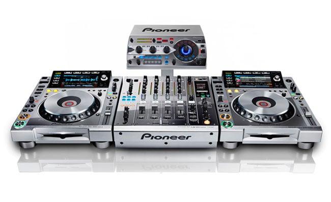Pioneer Platinum Edition CDJ-2000nexus