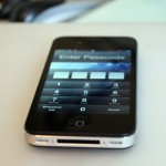 iOS 6.1 Bug Lets iPhone Lockscreen Be Bypassed (Video)
