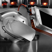 V-Moda Vamp Verza Dockable Headphone Amp Unveiled