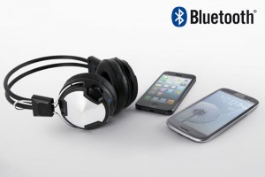 Arctic Unveils New P402 Bluetooth Headphones
