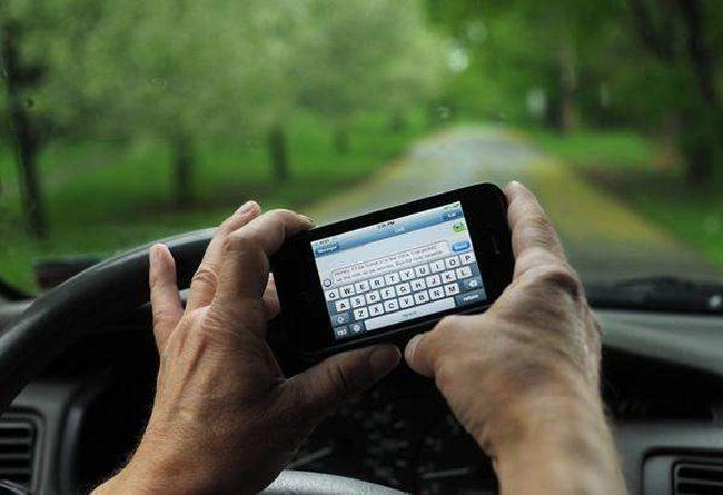 Adults Text And Drive More Than Teenagers