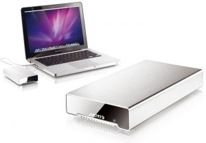 Akitio 256GB Thunderbolt SSD Launches