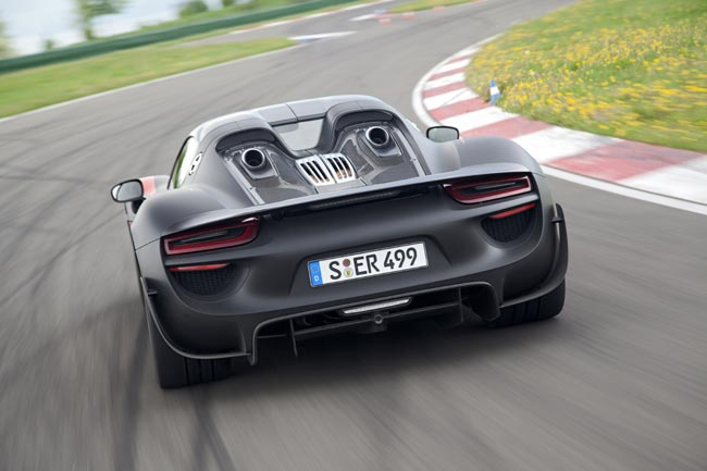 porsche 918 spyder gets official. Black Bedroom Furniture Sets. Home Design Ideas