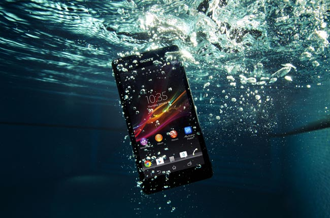 Sony Xperia ZR Gets Official