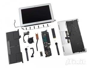 2013 MacBook Air 11 Inch Gets Taken Apart