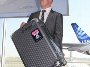 Bag2Go Airbus Smart Bags Location Can Be Tracked Via Your Smartphone