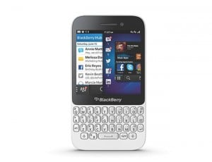 BlackBerry Q5 Gets Unboxed (Video)