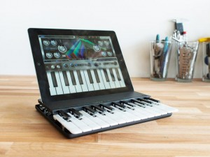C.24 Two Octave Wireless iPad Music Keyboard (video)