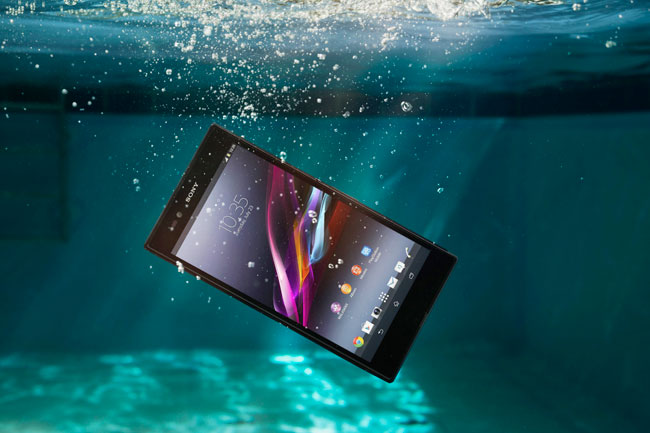 Sony Xperia Z Ultra's Display Gets Tested (Video)